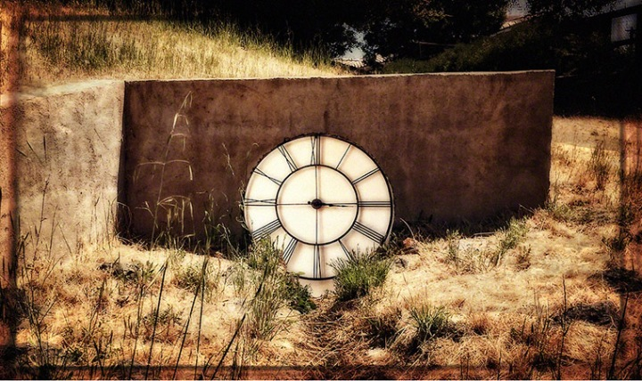 Clock_in_Culvert_Dreamy